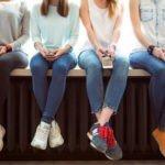Женские джинсы: зауженные, широкие, рваные, классические