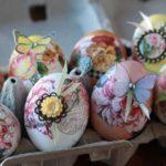 Готовимся к Пасхе: 3 салфетки, яйца и крахмал помогут сотворить настоящее чудо.