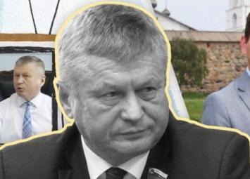 Чиновника, ударившего журналиста, исключают из «Единой России»