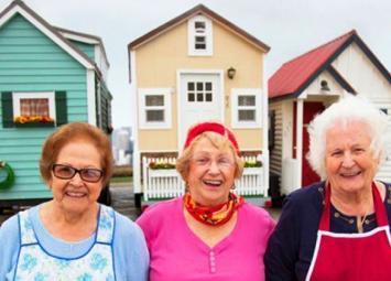 Дамы на пенсии позаботились о себе сами. Живут в достатке и с комфортом