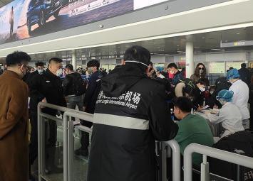 Заболевание коронавирус быстро распространяется. В России были госпитализированы 2 гражданина Китая с заболеванием.